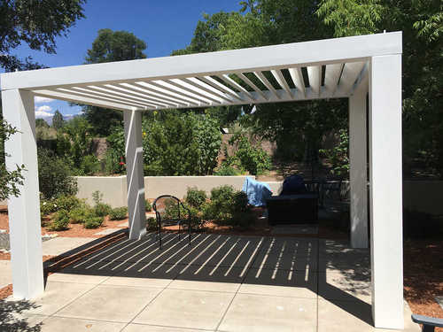 pergola_with_lots_of_shade__04639.1564421880